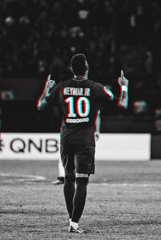 "Neymar, ""God bless us and protect us"" ☝️☝️☝️☝️ Ronaldo Images, Fc Barcelona Neymar, Neymar Jr Wallpapers, Neymar Football, Neymar Psg, Cristiano Ronaldo 7, Baseball Quotes, Soccer Skills, Football Wallpaper"