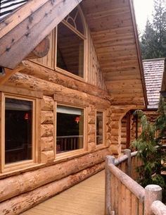 Gartenhaus Are you able to whitewash the inside of the log cabin? Cabin Porches, How To Build A Log Cabin, Log Wall, Log Home Designs, Log Cabin Homes, Log Cabins, Timber House, Cabins And Cottages, Cabin Plans