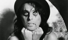 A young Alice Cooper already with the iconic make up  #AliceCooper