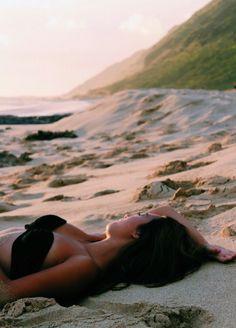 A beach photography can be either landscape photography, portrait photography or the combination or both of them. A beach photography can be either landscape photography, portrait photography or the combination or both of them. Beach Bum, Summer Beach, Summer Vibes, Sand Beach, Girl Beach, Bikini Beach, Ocean Beach, Hot Bikini, Summer Days