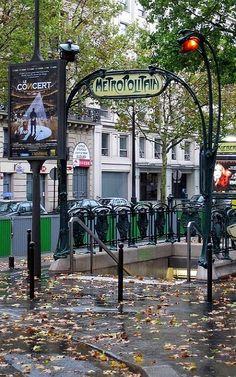 Métro de Paris, France | Flickr - Photo by ѕнυиѕυкє