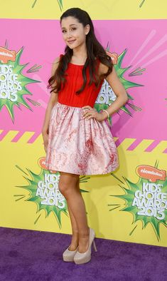 Ariana Grande Photos - Actress Ariana Grande arrives at Nickelodeon's 26th Annual Kids' Choice Awards at USC Galen Center on March 23, 2013 in Los Angeles, California. - Nickelodeon's 26th Annual Kids' Choice Awards - Arrivals