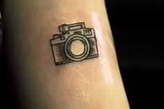 groundsfordevorce: My first of many tattoos Future Tattoos, New Tattoos, Tattoos For Guys, Temporary Tattoos, Cute Small Tattoos, Little Tattoos, Sister Tattoos, Girl Tattoos, Kamera Tattoos