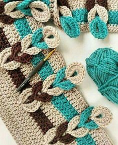 TUNESISCH HÄKELN Strickmuster häkeln ganz einfach See other ideas and pictures from the category men Crochet Crafts, Yarn Crafts, Easy Crochet, Crochet Baby, Crochet Projects, Free Crochet, Crochet Chain, Crochet Beanie, Crochet Necklace