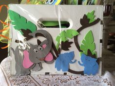 side view of jungle themed gift