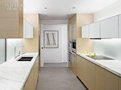 cozinha com iluminação embutida. minimalista