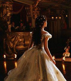 Emmy Rossum as Christine Daae in the Phantom of the Opera (2004).