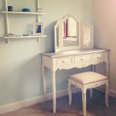 Interior design ideas. One thing that every girl should have: A Vanity table. lacebox.blogspot.com