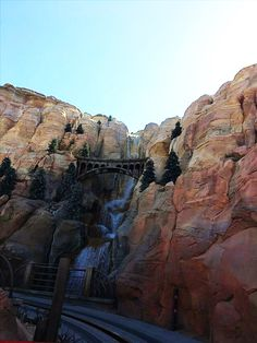 Radiator Springs Racers waterfall