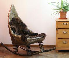 metall schrank mit alten blechschildern im industrial. Black Bedroom Furniture Sets. Home Design Ideas
