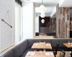 Most inventive wall covering ever? Sacramento-based Jerry and Laura McCall are the couple behind Stikwood, a peel-and-stick wallpaper made from reclaimed weathered wood. Decor, Home Diy, Stikwood, Diy Hanging Shelves, Wood Columns, Diy House Projects, Diy Home Decor Projects, Diy Home Decor, Home Decor