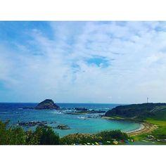 "【jun_chiiis】さんのInstagramをピンしています。 《""Cape""🌾🌾🌾 〜爪木崎〜 やっと行けたーーー😆✨ #favorite #spot #sea #sky #cape #lighthouse #park #walking #stroll #autumn #wind #blue #happytime #izu #tumekizaki #海  #空 #岬 #灯台 #公園 #ウォーキング #散策 #秋 #風 #ブルー #幸せな時間 #伊豆 #爪木崎》"