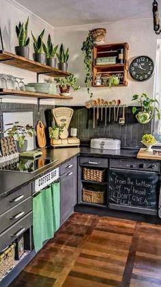 Boho Kitchen, Home Decor Kitchen, Rustic Kitchen, Interior Design Kitchen, New Kitchen, Home Kitchens, Earthy Kitchen, Dark Green Kitchen, Kitchen Ideas