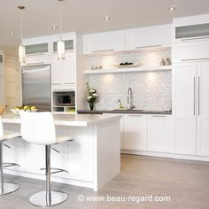 10 ideas for a white kitchen - Dining Room Kitchen Dinning, Ikea Kitchen, Kitchen Cupboards, Kitchen Furniture, Kitchen Decor, Kitchen White, Kitchen Ideas, Dining Room, Condo Decorating