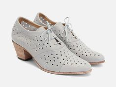 JOHN FLUEVOG Immortal Perfection AUDREY SHOES $299 Gray Perforated Oxford Vog 6  #JohnFluevog #Oxfords #Any