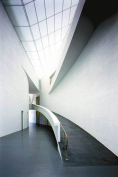 Steven Holl-kiasma museum of contemporary art / helsinki Types Of Architecture, Architecture Student, Light Architecture, Amazing Architecture, Interior Architecture, Museum Of Contemporary Art, Contemporary Architecture, Types Of Stairs, Light Building