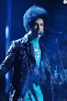 2231746-prince-aux-billboard-music-awards-2013-950x0-1.jpg (950×1425)
