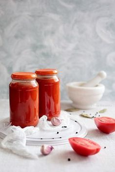 Sos do lasagne w słoikach - Wiem co jem Bolognese Sauce, Tomato Sauce, Diy Food, Hot Sauce Bottles, Spaghetti, Preserves, Panna Cotta, Cake Recipes, Good Food
