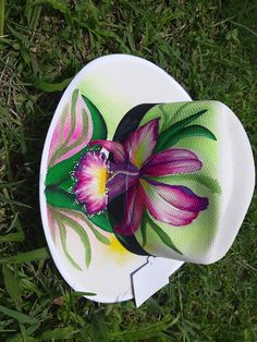 Painted Hats, Hand Painted Shoes, Painted Clothes, Diy And Crafts, Arts And Crafts, Clothes Crafts, Artemis, Wearable Art, Projects To Try