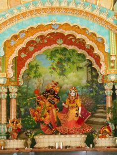 hare kṛṣṇa hare kṛṣṇa kṛṣṇa kṛṣṇa hare hare hare rāma hare rāma rāma rāma hare hare