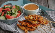 Grillet kylling satay | Oppskrift | EXTRA Poultry, Shrimp, Drink, Chicken, Meat, Food, Backyard Chickens, Essen, Drinking