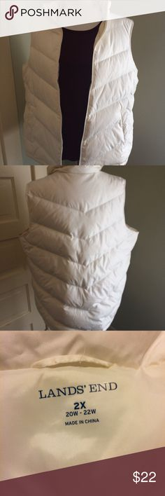 """Lands End Down Puffer Vest 20W -22W Beautiful white puffer vest that is in great condition!  Pockets have snap enclosure.  Has 80% down / 20% feathers.    Measurements  28"""" across 27"""" shoulder to hem Lands' End Jackets & Coats Vests"""