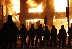 Aftermath Photos of London Riots Kalashnikov Rifle, Ak 74, Jackie Brown, 5 Year Anniversary, Peaceful Protest, Assault Rifle, London Photos, Savannah Chat, Concert