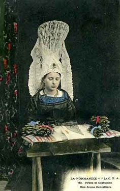 Online shopping from a great selection at Arts, Crafts & Sewing Store. Needle Lace, Bobbin Lace, Antique Lace, Vintage Lace, Lace Painting, Lace Art, Crochet Motif, Crochet Edgings, Crochet Shawl