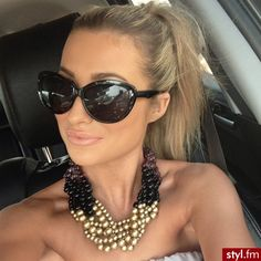 Must have chunky necklace, with messy pony tail <3
