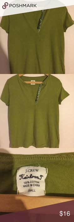 J Crew Green Tee-shirt with sequin trim Looks brand new! Only worn a couple of times then stored away. Adorable dark pea green tee with a bit of sequin trim. So so cute! Size small. This will be a favorite!😍 J. Crew Tops Tees - Short Sleeve