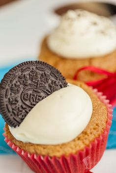 Oreo Cupcakes Oreo Cupcakes, Desserts, Food, Tailgate Desserts, Deserts, Essen, Postres, Meals, Dessert