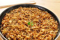 Fideuá de pollo Güveç yemekleri - Güveç yemekleri - Las recetas más prácticas y fáciles Quinoa, Pollo Guisado, Small Pasta, Party Dishes, Cooking Recipes, Healthy Recipes, Diet Recipes, Spanish Food, Gourmet