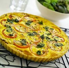 Tartas faciles: Tarta caprese facil Oven Recipes, Kitchen Recipes, Veggie Recipes, Cooking Recipes, Healthy Recipes, Yummy Recipes, Quiches, Omelettes, Easy Cooking