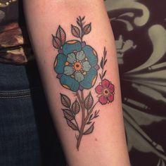 "89 curtidas, 9 comentários - Débora Iglesias (@deboraiglesiastattoo) no Instagram: ""floures da Taila 🙅🏽 #tatts #tattoo #tattooed #tattoo2me #tatuagem #tattooart #tattoowork…"""