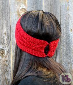 Aislin Earwarmer - loom knit - uses ponytail holders to make adjustable