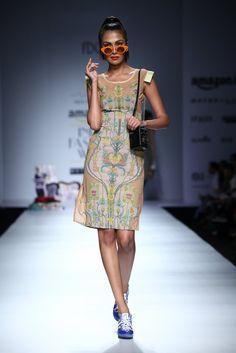 All the Looks From Nida Mahmood at Amazon India Fashion Week Spring/Summer 2016 -cosmopolitan.in