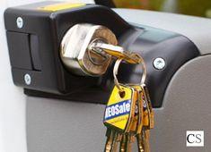 Heosafe sloten Campersalon - Webwinkel en werkplaats voor camper accessoires Peugeot, Sprinter Van, Campervan, Jumpers, Volkswagen, Ford, Vans, Personalized Items, Top Hats