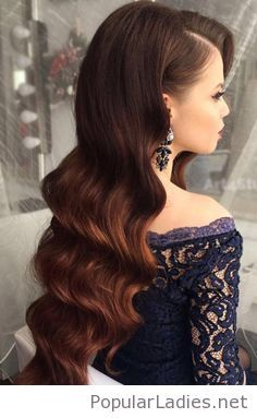 Glam long curls on brown