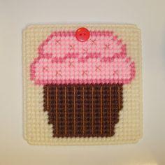 Plastic Canvas Cupcake coaster.  Cute!