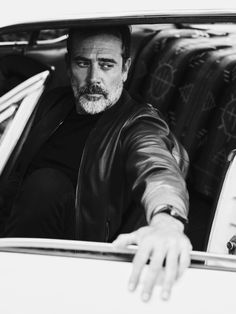 Jeffrey Dean Morgan- so charismatic!