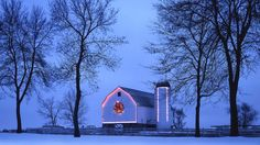 I am from Wisconsin, I live in CALI now, I love this picture and it totally brings me home. I realize I haven't seen this color of blue in a very long time, that cold winter blue. Barn decorated for Christmas in Lake Geneva, WI Blue Christmas, Country Christmas, Winter Christmas, Christmas Lights, Christmas Decorations, Christmas Time, Merry Christmas, Christmas Scenes, Christmas Ideas
