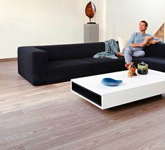 Suelo Balterio Grandeur: Para grandes estancias. Medidas: 2039x238 Kitchen Flooring, Ramen, Burgundy, Couch, Floors, Furniture, Home Decor, Laminate Flooring, Oak Tree