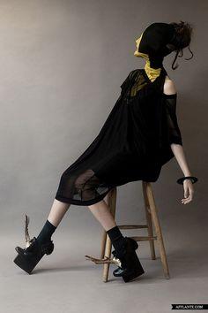 The_Meeting_AW_2012_2013_Fashion_Collection_Simon_Ekrelius_afflante_com_1
