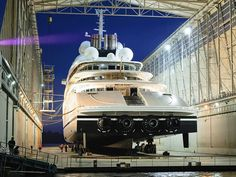 Lurssen's Superyacht 'Azzam'The World's Largest Yacht! On April 2013 Lürssen Yachts launched the World's Largest Yacht, the project. Super Yachts, Big Yachts, Yacht Luxury, Luxury Life, Luxury Cars, Private Yacht, Private Jet, Yacht Design, Speed Boats