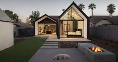 A contemporary update and extension for a 1930s home in Phoenix, Arizona   CONTEMPORIST  #Architecture