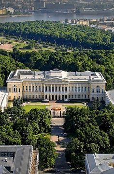Mikhailovsky Palace in St. Big Mansions, Mansions Homes, Beautiful Architecture, Architecture Details, Beautiful Castles, Beautiful Places, Monuments, Winter Palace, Modern Mansion