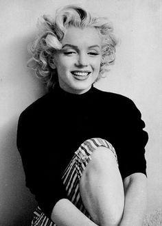 Marilyn Monroe photographed by Ben Ross, 1953.jpg