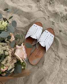 Bring on the sand and sandals! We're ready. #BearpawHuaraches