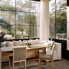 Dining Nook, Dining Room Design, Sunroom Dining, Banquette Dining, Dining Table, Home Interior Design, Interior Decorating, Beautiful Interior Design, Beautiful Dining Rooms