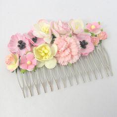 Hårkam med lyserøde blomster - unik hårpynt fra Cloudcake - Cloudcake